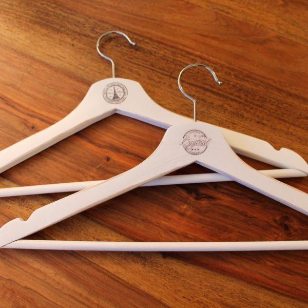 DIY Kleiderbügel aufhübschen mit Decal Folie als Transfertechnik