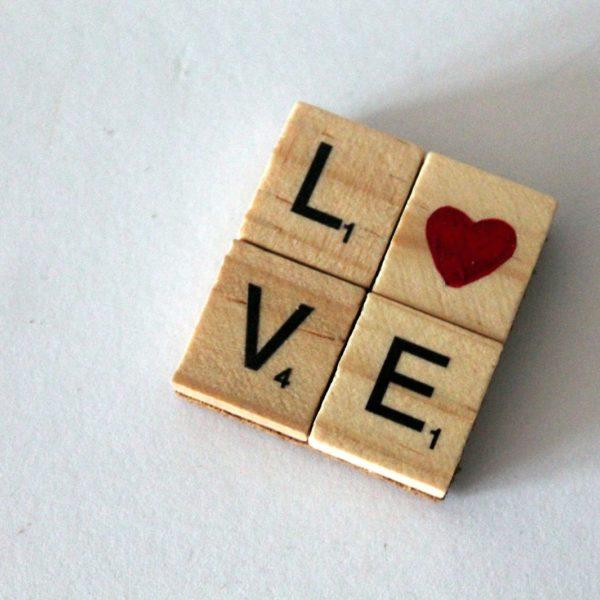 DIY LOVE Magnet Herz aus Scrabble Buchstaben einfach selber machen