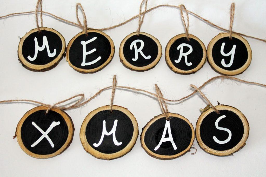 DIY, Basteln: Merry Christmas Astscheiben Kette in Weihnachtsdekoration und Wohndekoration - DIYCarinchen