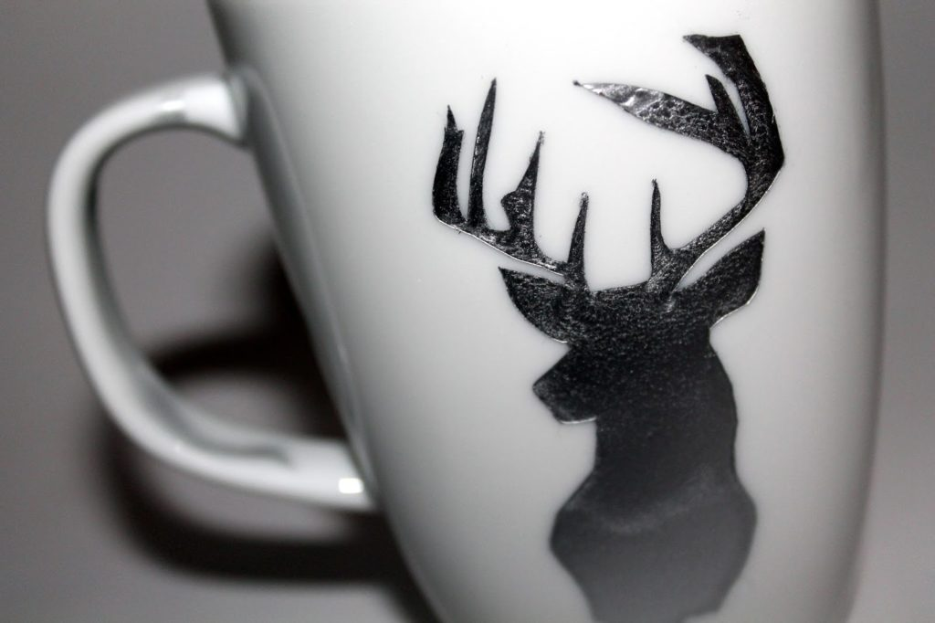 DIY, Basteln: Tasse mit Hirsch, Sprühlack silber in Weihnachtsdekoration, Wohndekoration und Geschenkideen - DIYCarinchen