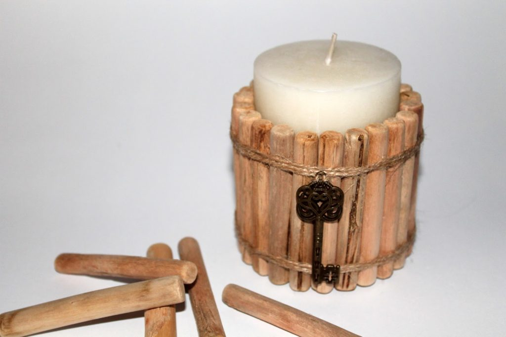 DIY, Basteln: Treibholzkerze als Geschenkidee und Wohndekoration - DIYCarinchen