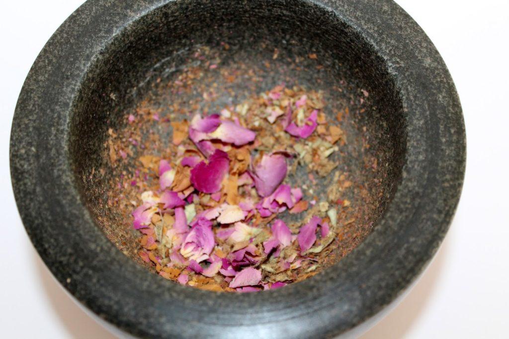 DIY, Basteln: Sugar Scrub / Zuckerpeeling Rose in Kosmetik als Geschenkidee und Wohndekoration - DIYCarinchen