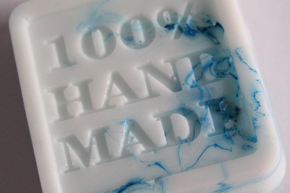 DIY marmorierte Seife mit Stempeldruck selber machen