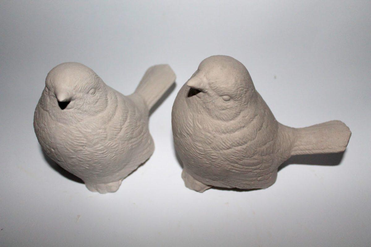 Beton Vogel ganz einfach selbermachen? Ja, das geht mit dieser leichten DIY Anleitung!