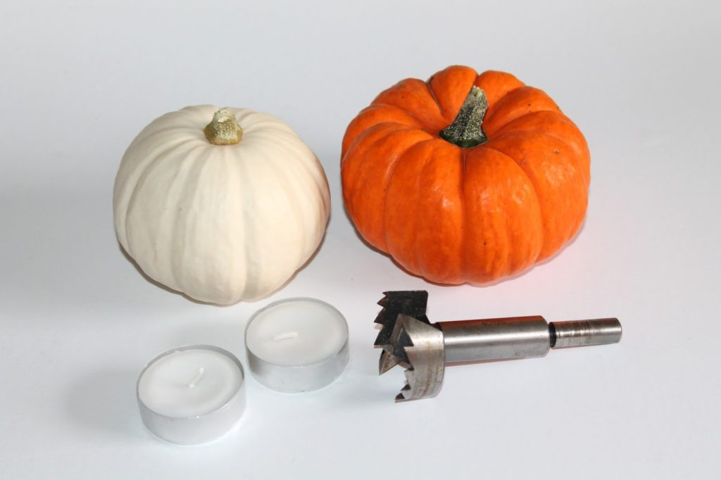 DIY, Basteln: Kürbis Teelichter in Dekoration, Herbstdekoration, Basteln mit Naturmaterialien - DIYCarinchen