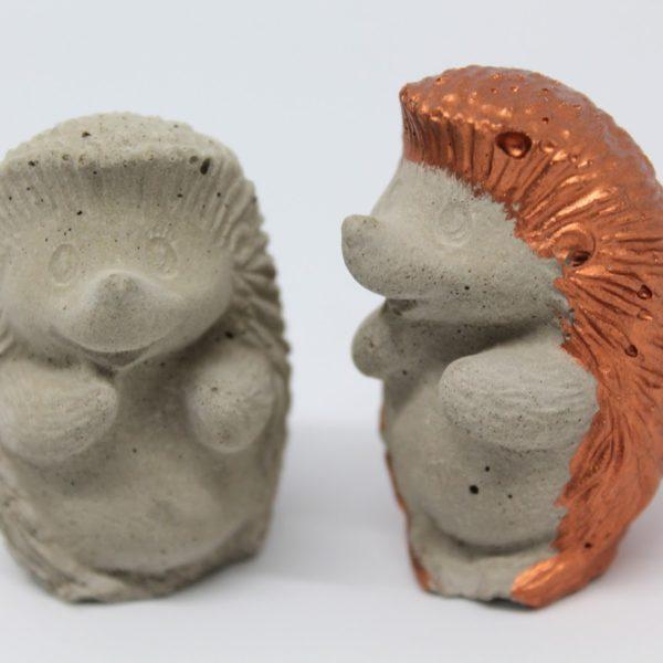 ♡ DIY Igel aus Beton - du willst zauberhafte Igel aus Beton selber machen? Mit meiner Anleitung klappt diese Bastelidee ganz einfach!