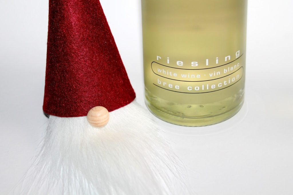 DIY, Basteln: Bree Wein, Weinflaschenhut Weihnachtswichtel in Weihnachtsgeschenke, Weihnachten, Geschenke, Geschenkideen - DIYCarinchen
