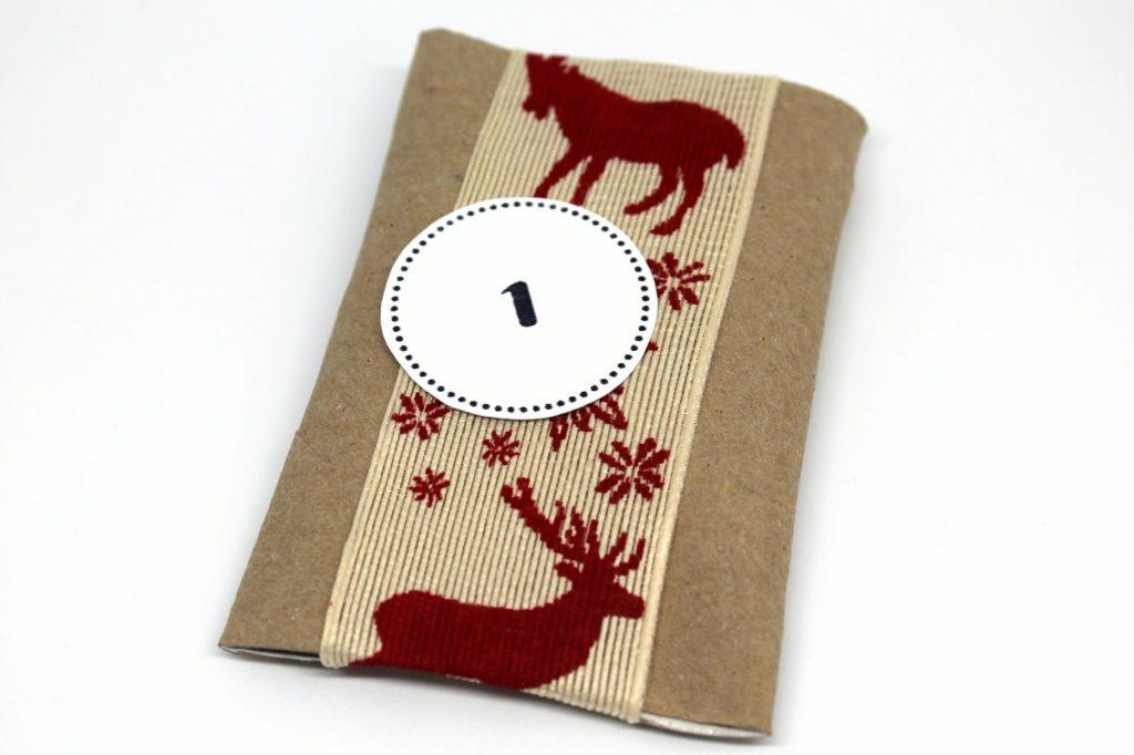 DIY, Basteln: Adventskalender aus Klorollen + Free Printable in Weihnachtsgeschenke, Weihnachtsdekoration, Geschenkidee - DIYCarinchen