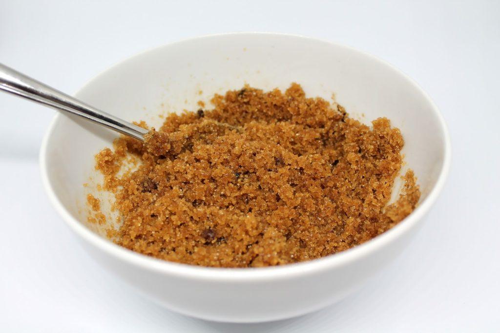 DIY, Basteln: Sugar Scrub / Zuckerpeeling Lebkuchen in Kosmetik als Geschenkidee und Weihnachtsgeschenke - DIYCarinchen