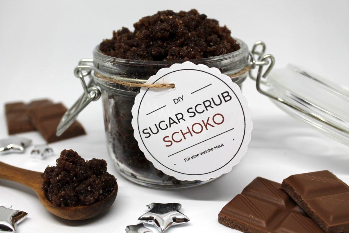 DIY Sugar Scrub / Zuckerpeeling Schoko in wenigen Schritten selber machen für eine besonders weiche Haut {mit gratis Printable} ♡
