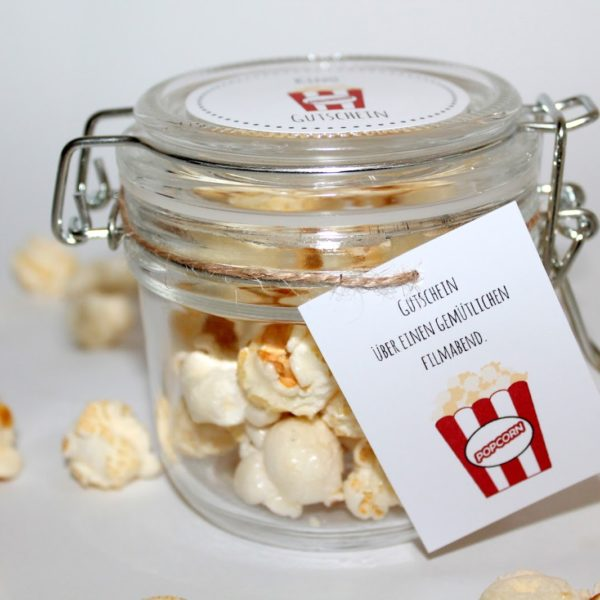 Die perfekte Kinogutschein Verpackung: DIY Popcorn mit kostenlosem Etikett zum Ausdrucken, einfacher geht es kaum!