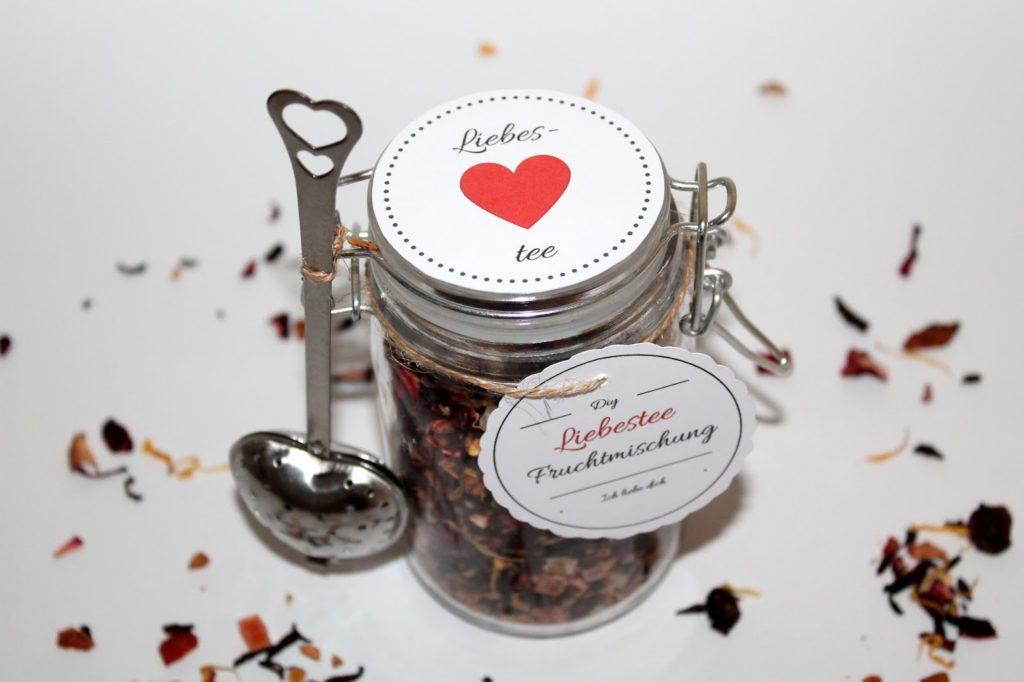 DIY, Basteln: Einmachglas Liebestee in Geschenke aus dem Glas, Mitbringsel und Geschenkideen - DIYCarinchen