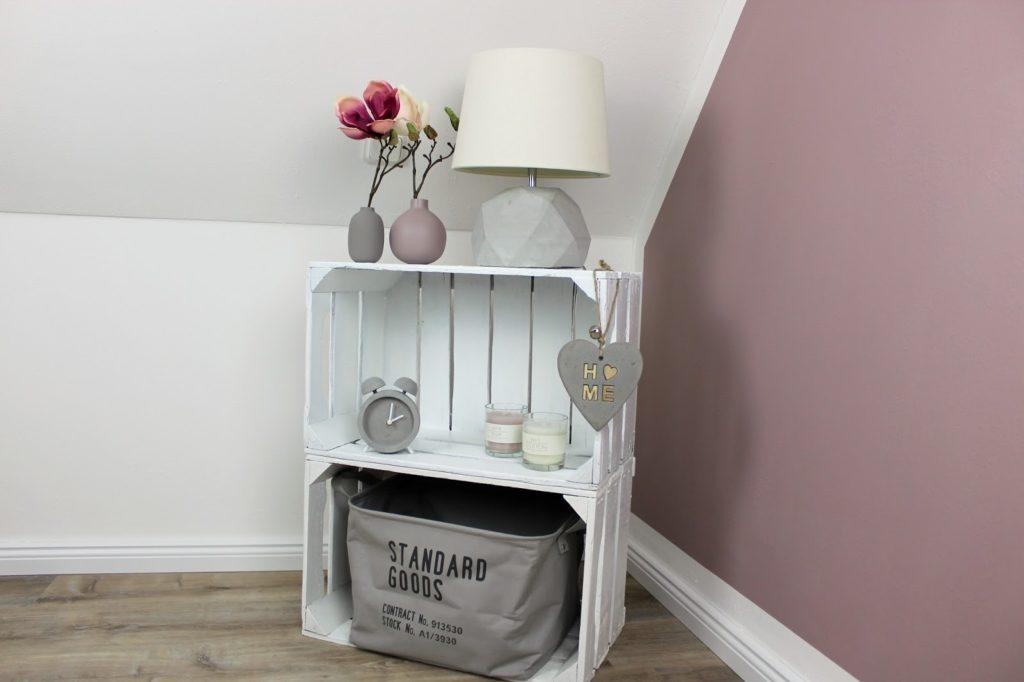 DIY, Basteln, Selbermachen: Nachttisch / Beistelltisch aus Obstkisten, Dekoration, Möbel und Wohnideen - DIYCarinchen