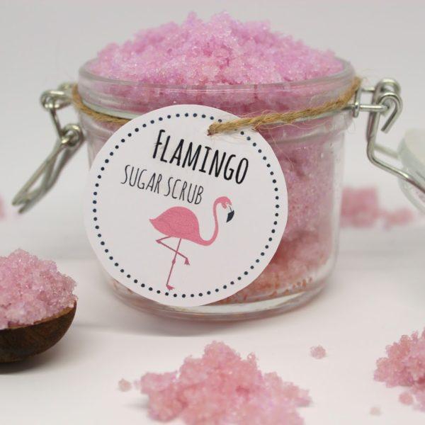 Das perfekte Geschenk zum Valentinstag: DIY Sugar Scrub Flamingo selber machen + Video! mit gratis Printable