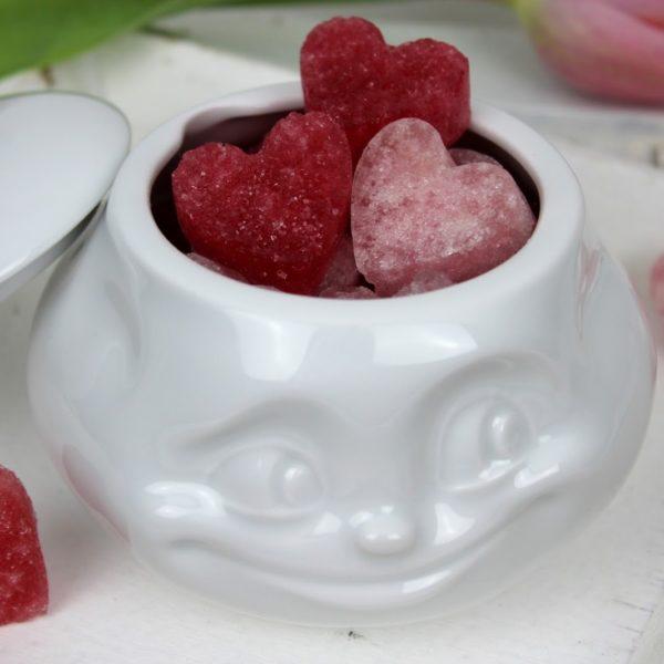 DIY Zuckerherzen in rosa selber machen / Süßes Geschenk zum Valentinstag