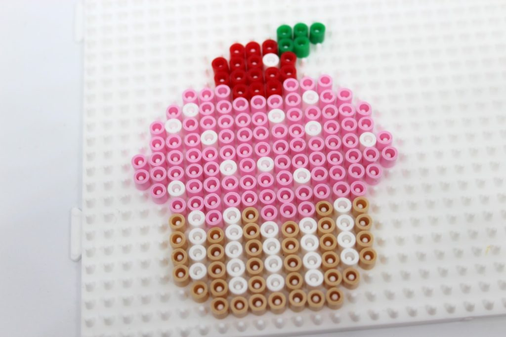 DIY Geburtstagkarten aus Hama Bügelperlen selber machen + kostenlose Vorlage - die perfekte Geschenkidee zum Geburtstag