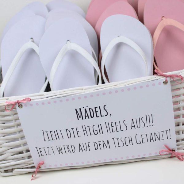 DIY Gastgeschenk Flip Flop Korb - Zieht die High Heels aus, es wird getanzt + kostenlose Vorlage