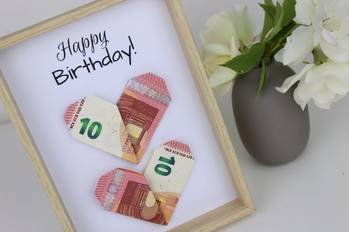 DIY Geldgeschenk Herzen nach Origami Art - die perfekte Geschenkidee + kostenlose Vorlage