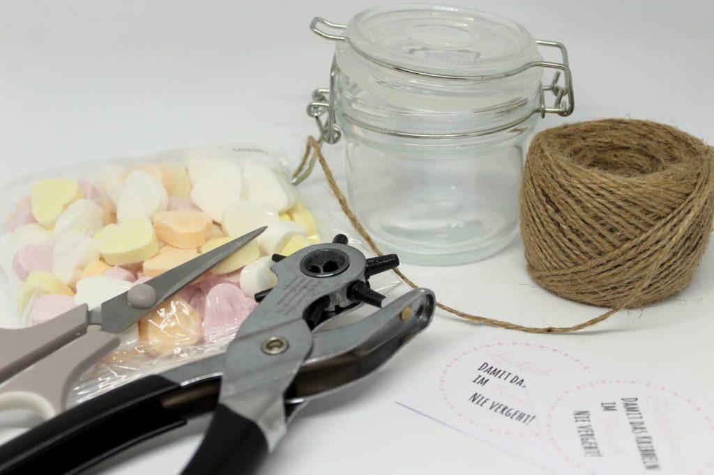 DIY Geschenk im Glas Zuckerherzen - perfekt als Hochzeits- oder Valentinstag Geschenk ♡♡♡