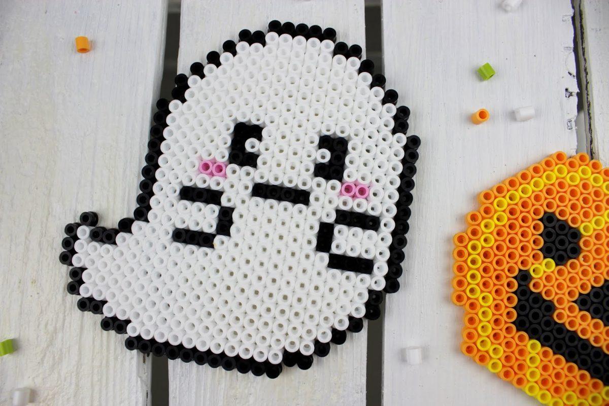 DIY Anleitung: süße Halloween Gespenster und Kürbis Glasuntersetzer ganz einfach selber machen - für eure Halloween Party