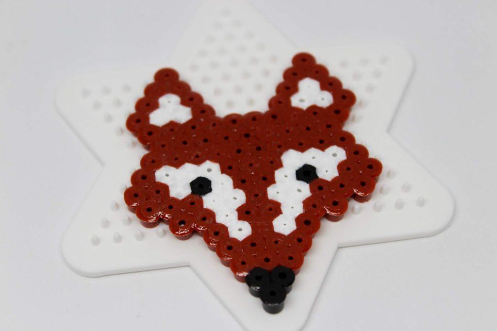 DIY Fuchs Bügelperlen Geschenkkarte - schnelle Bastelidee für den Herbst (+ gratis Vorlage)