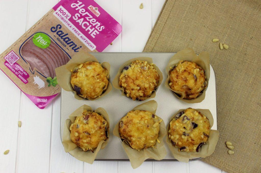 Rezept: Schnelle, einfache, herzhafte Salami-Schinken Käse Muffins mit Reinert HerzensSACHE