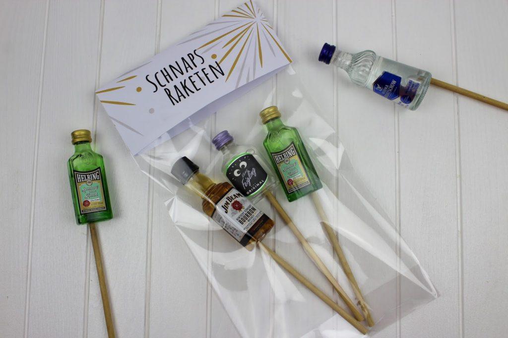DIY Schnaps Raketen ganz einfach selber machen - die perfekte Geschenkidee für Silvester und eure Silversterfeier