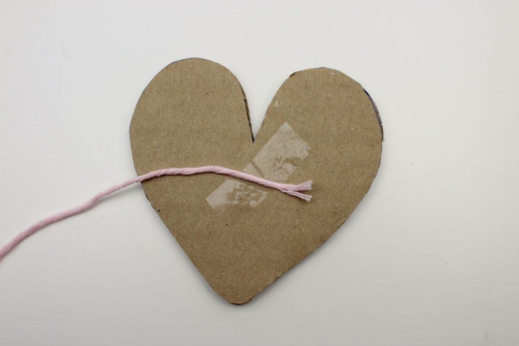 DIY: super einfache Wollherzen selber machen - perfekte Deko oder Geschenkidee zum Valentinstag