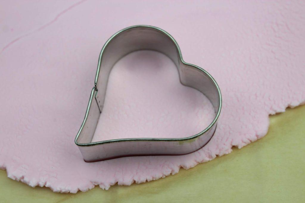 DIY: Knetseife aus nur 3 Zutaten selber machen - perfektes Muttertagsgeschenk zum Basteln mit Kindern