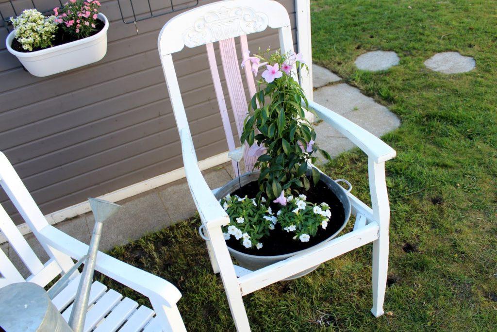 DIY: Blumenstuhl in Shabby Chic einfach selber machen und ...