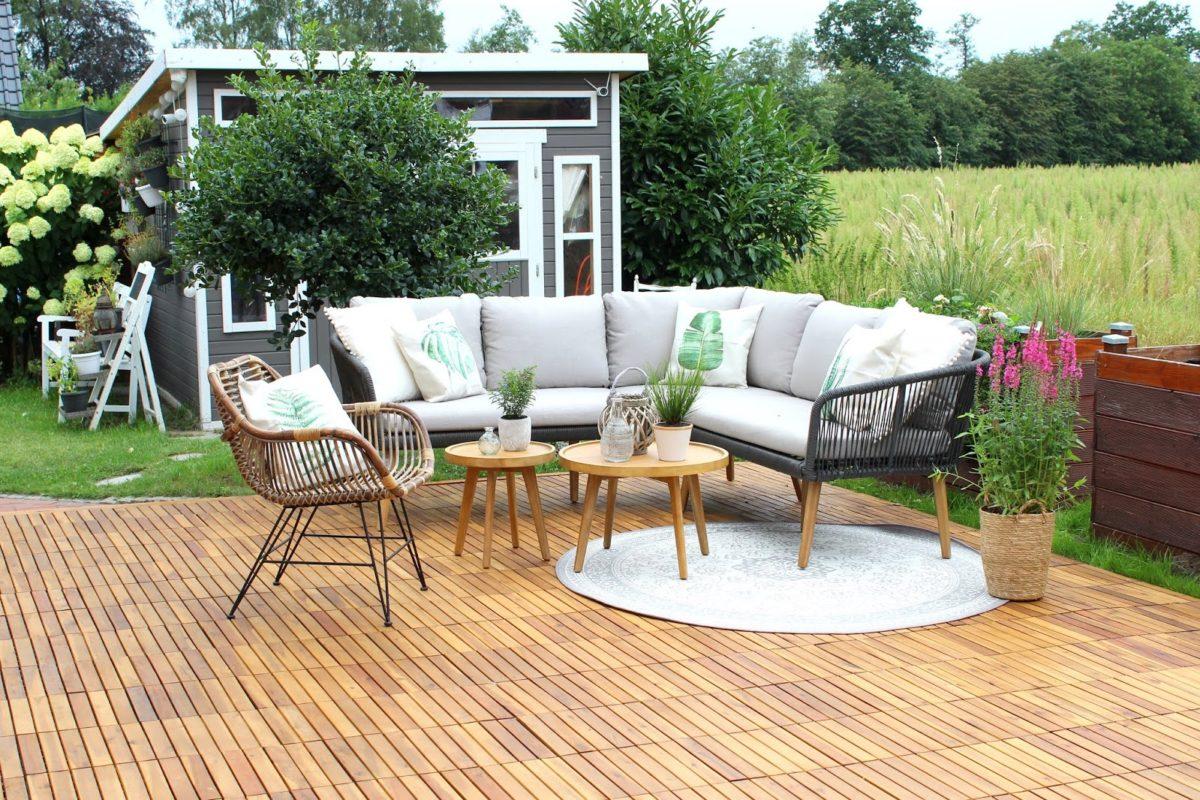 Terrasse, Gartenmöbel, Holz, Pflanzen