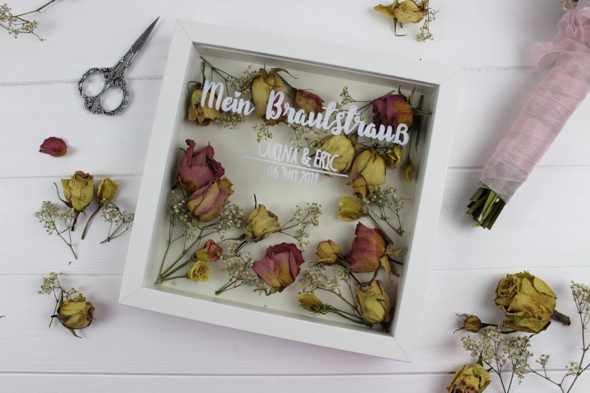 Brautstrauß im Bilderrahmen, getocknete Blumen