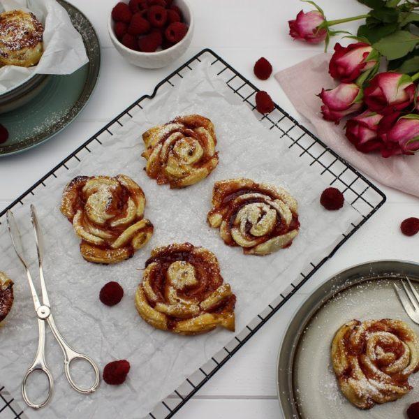 Gebäck, Kuchen, Himbeeren, Rosen, Blätterteig-Rosen