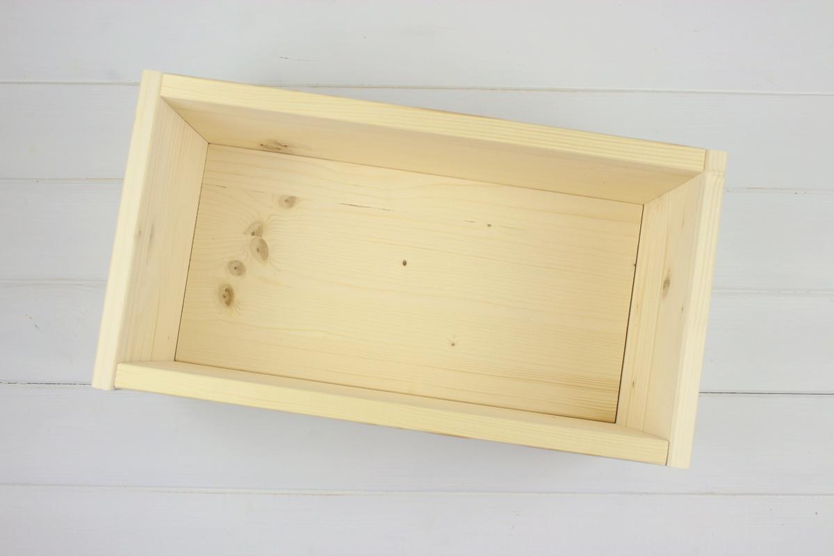 selbstgemachte / selbstgebaute Pflanzkübel aus Holz