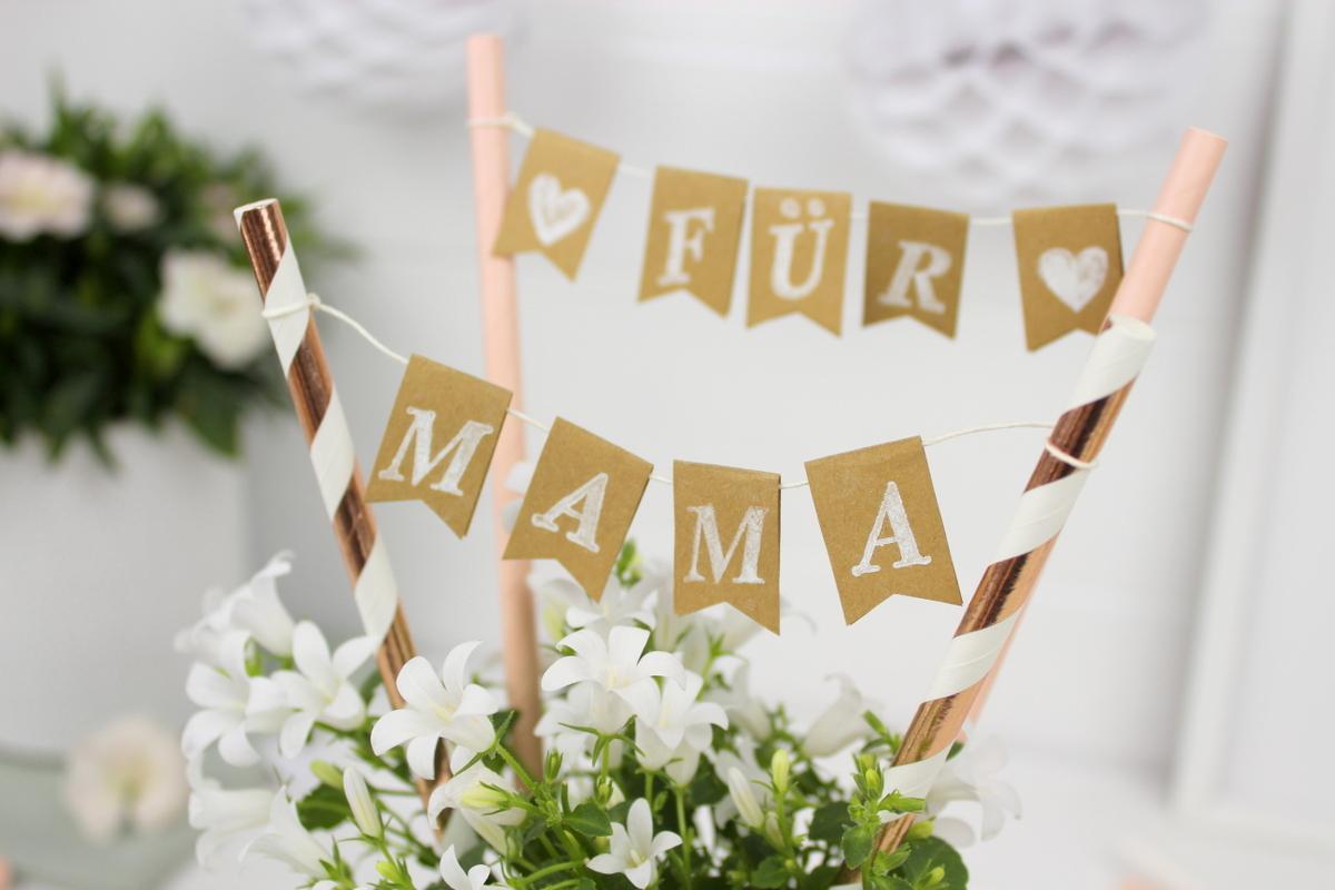 Selbstgemachtes Muttertagsgeschenk Dosen Upcycling mit Blumen und Wimpelgirlande