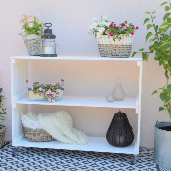 Selbstgebautes Gartenregal aus Holz + Bauplan