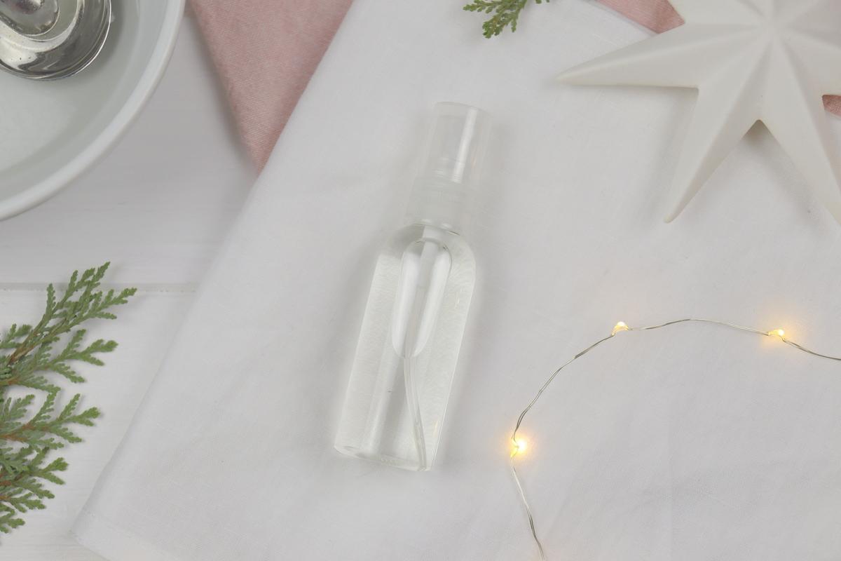 DIY selbstgemachtes Raumspray zu Weihnachten bestehend aus 3 Zutaten