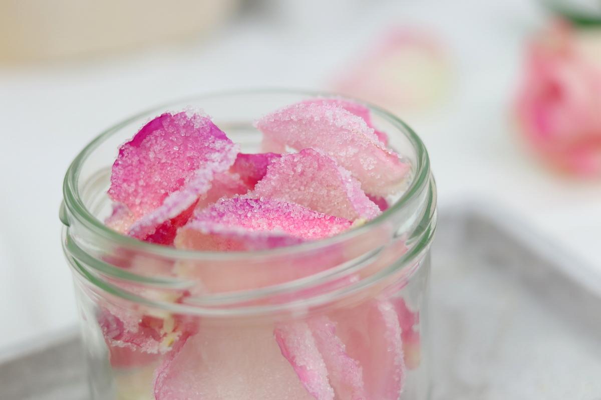 Rezept - selbstgemachte, kandierte Rosenblätter