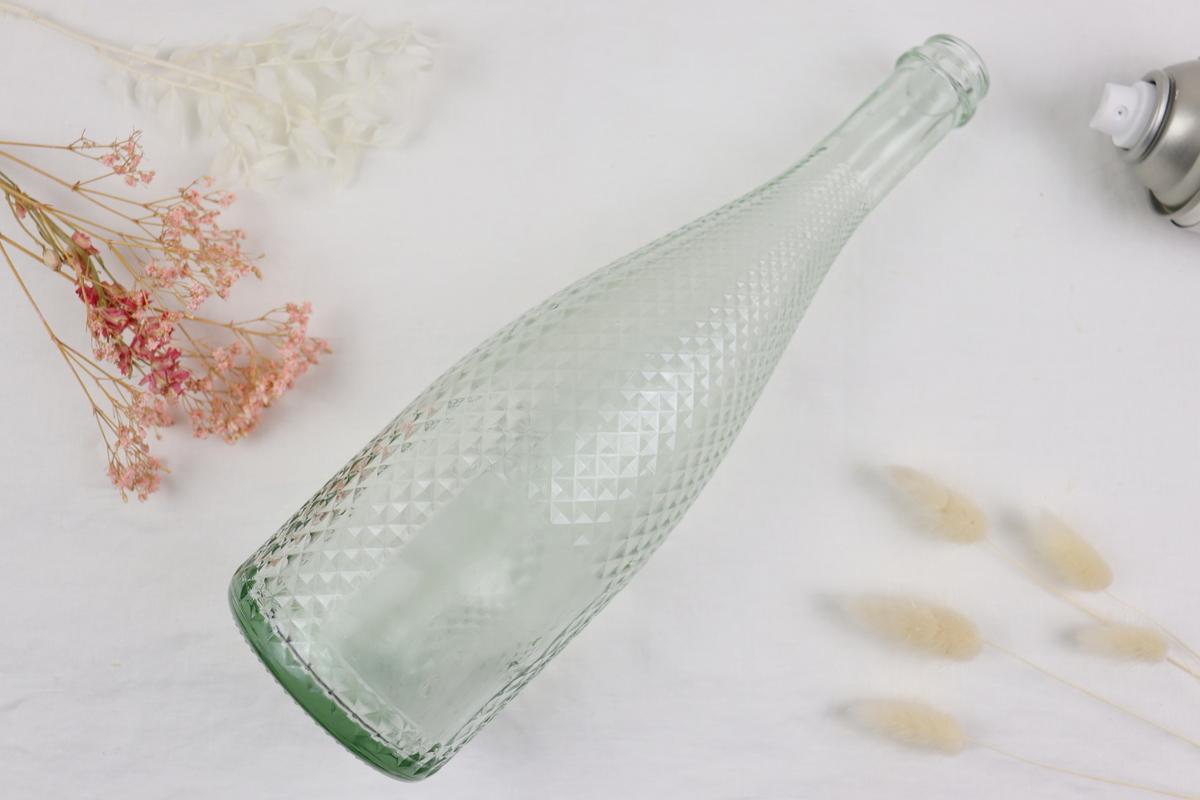 DIY Flaschen Upcycling in 2 Varianten mit Sprühkreidefarbe und Trockenblumen