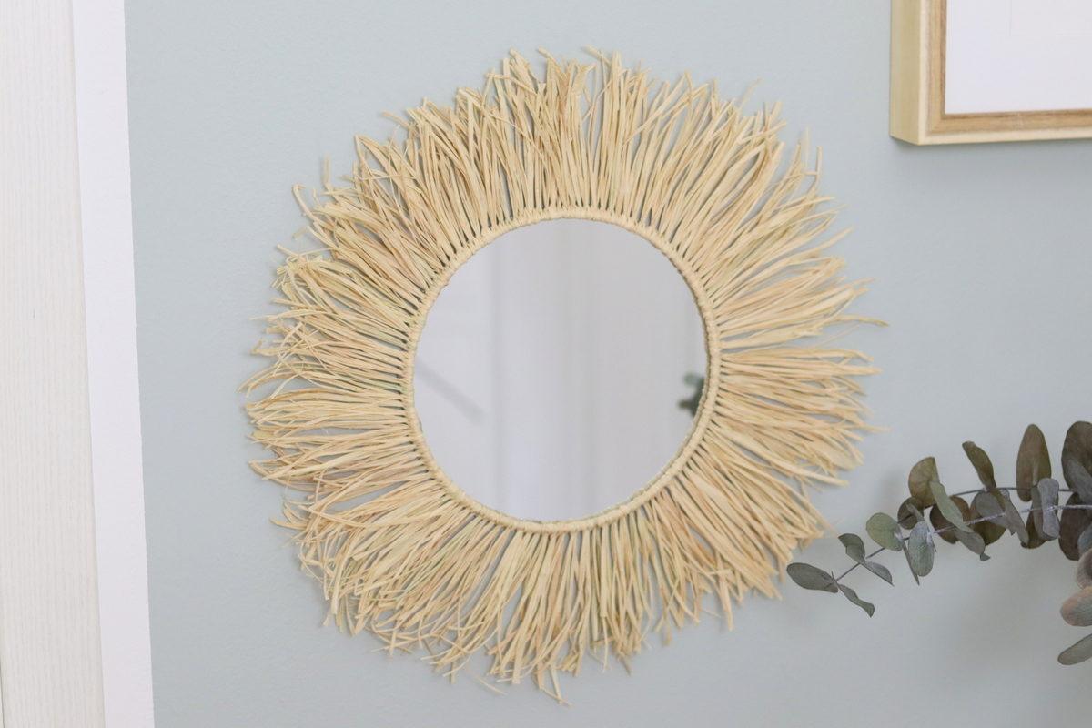 DIY - selbstgemachter runder Spiegel mit Raffia / Bast im Boho-Stil