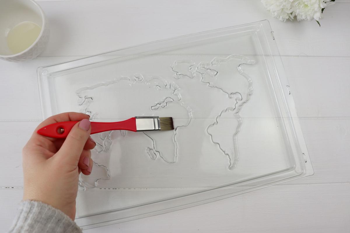 DIY - selbstgemachte Weltkarte aus Raysin