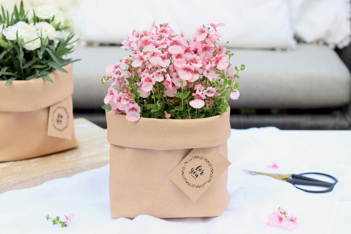 DIY - selbstgenähtes Utensilo aus Kunstleder als Blumentopf zum Verschenken, Aufbewahrungskorb oder Brotkorb