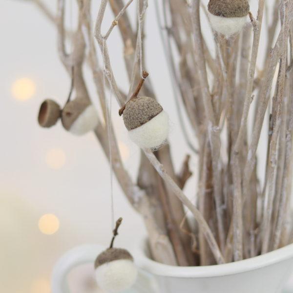 DIY Anleitung - Kugeln aus Filz selber machen und Filzeicheln basteln