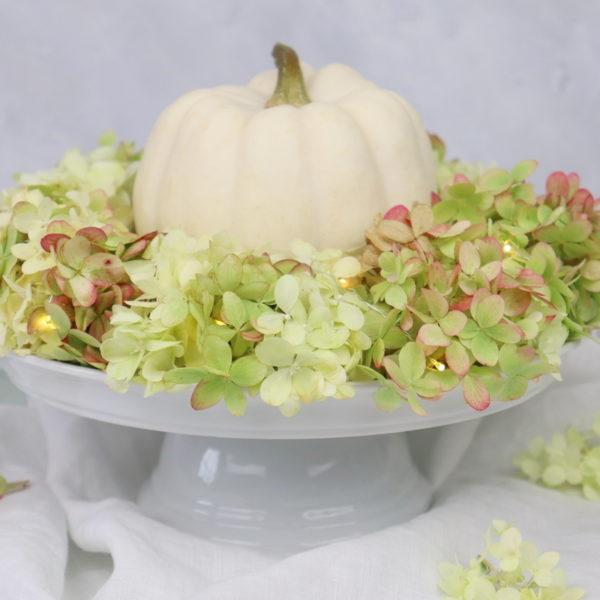 DIY Anleitung Blumenkranz aus Hortensie einfach selber machen mit Kürbis als Herbstdeko